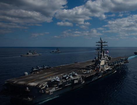大军集结东海,舰机抢占有利地形,美:大战一触即发