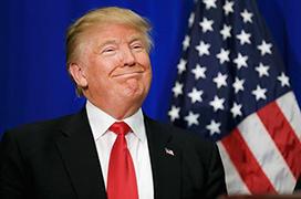 """特朗普暗示或参加2024总统大选,批拜登为史上""""最差"""""""
